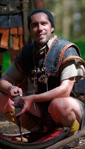 José da Silva, vêtu comme un légionnaire romain